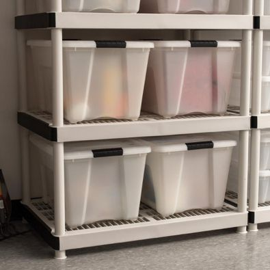 Choose the Right Self Storage Containers for Your Items