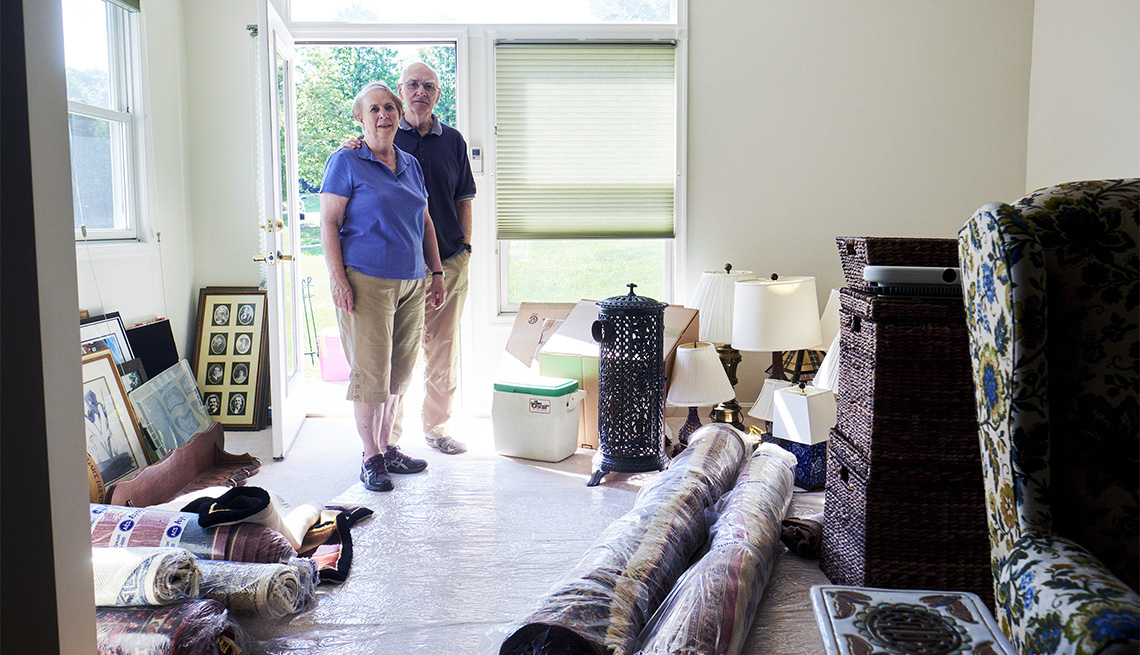 Downsizing a Parent's Home is a Difficult Task.  Using a Self Storage Unit can Help!