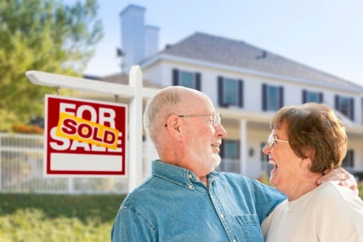 Moving Companies that Help Seniors Relocate and Put Items in Storage
